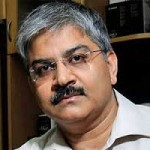 "Prof Sanjay Bakshi & Ashish Kacholia Take Contrary Views On Fate Of ""Moat"" Stock"