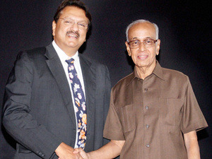 ajay-piramal-and-r-thyagarajan-STFC